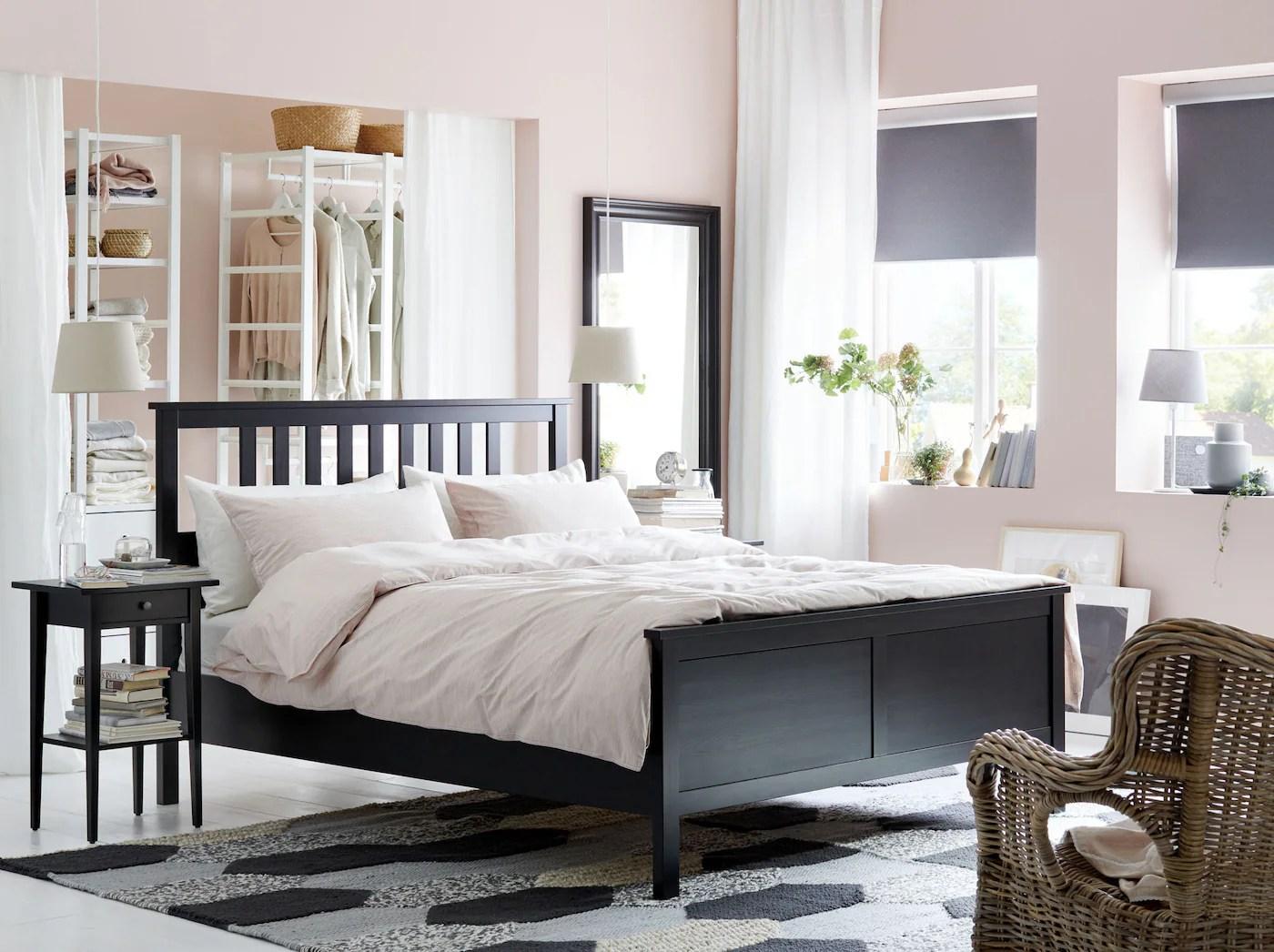 Une Chambre A Coucher Stylee Sous Tous Les Angles Ikea