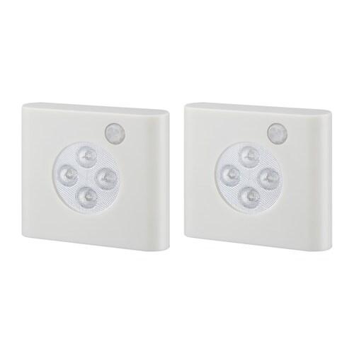 OLEBY ワードローブ照明 センサー付き IKEA センサー付き。扉を開けると自動的に点灯し、閉めると自動的に消灯します LEDを使用。白熱電球に比べ消費電力が少なく、約30倍の寿命があるため、取り替えの必要がありません