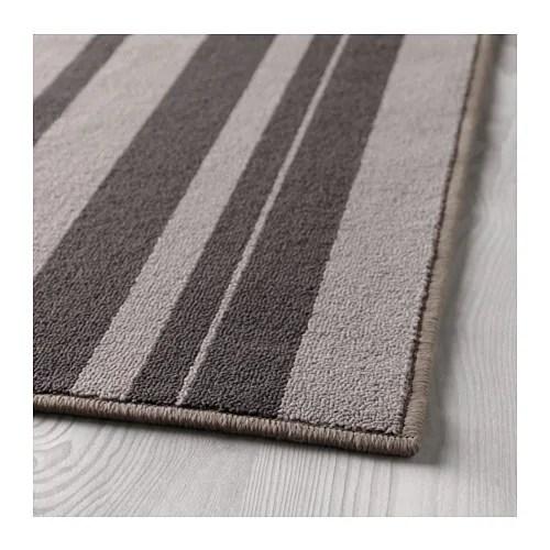 IBSTED Matta, kort lugg IKEA Mattan kan handtvättas i 30℃. Antiglidmaterial på undersidan håller mattan på plats och minskar halkrisken.