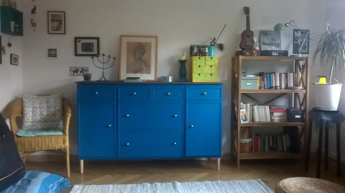 paint Expedit blue