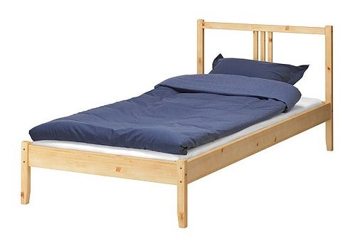 trundle bed hack means more space for activities ikea hackers. Black Bedroom Furniture Sets. Home Design Ideas