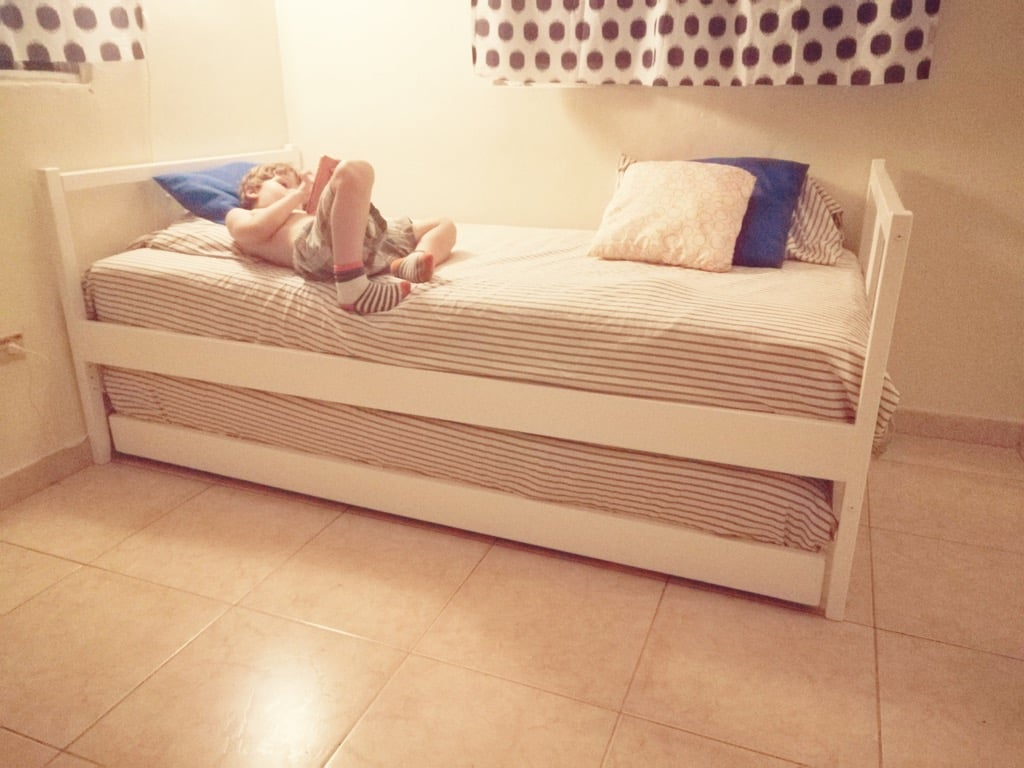 Trundle bed from 2 FJELLSE beds | IKEAHackers