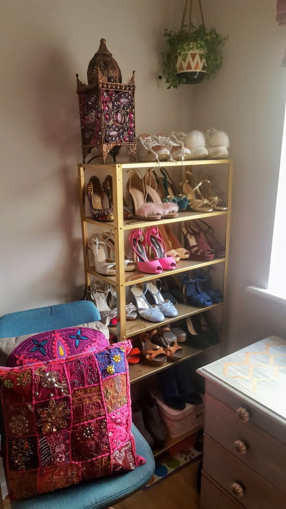 Shoe display rack: A HYLLIS hack