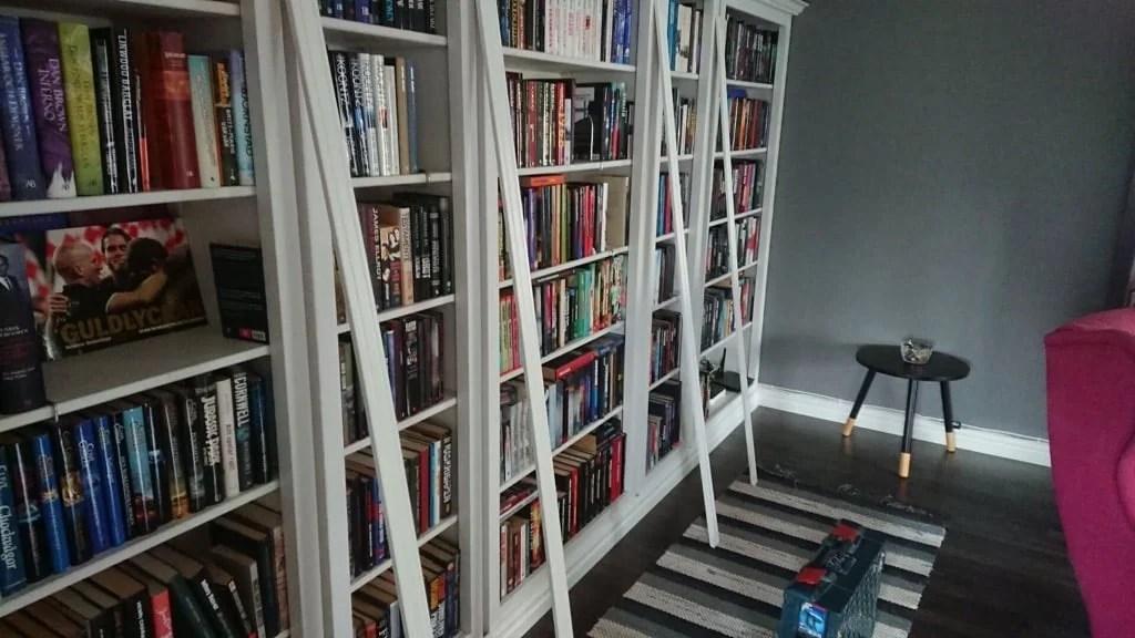IKEA HEMNES built-in bookcase - adding trim