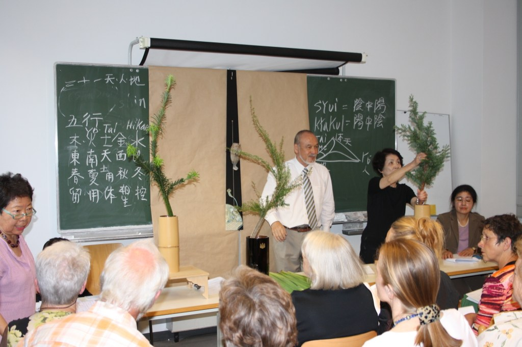 Ikebana-International Vienna im Institut für Philosophie