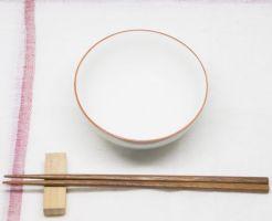 空のお茶碗と箸