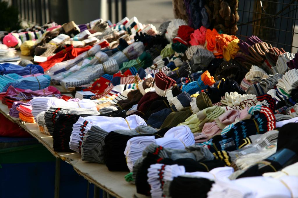 國產襪子就只能路邊賣嗎?