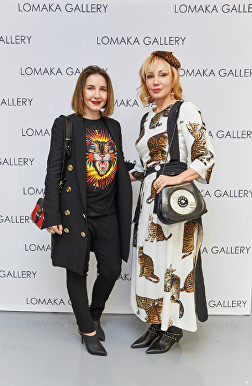 Alyona and Margarita Pryhodko at Olga Lomaka Gallery Launch