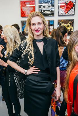 Tamara Orlova-Alvarez at Olga Lomaka Gallery opening