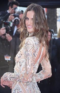 Izabel Goulart The Beguiled Premiere Cannes Film Festival © Joe Alvarez