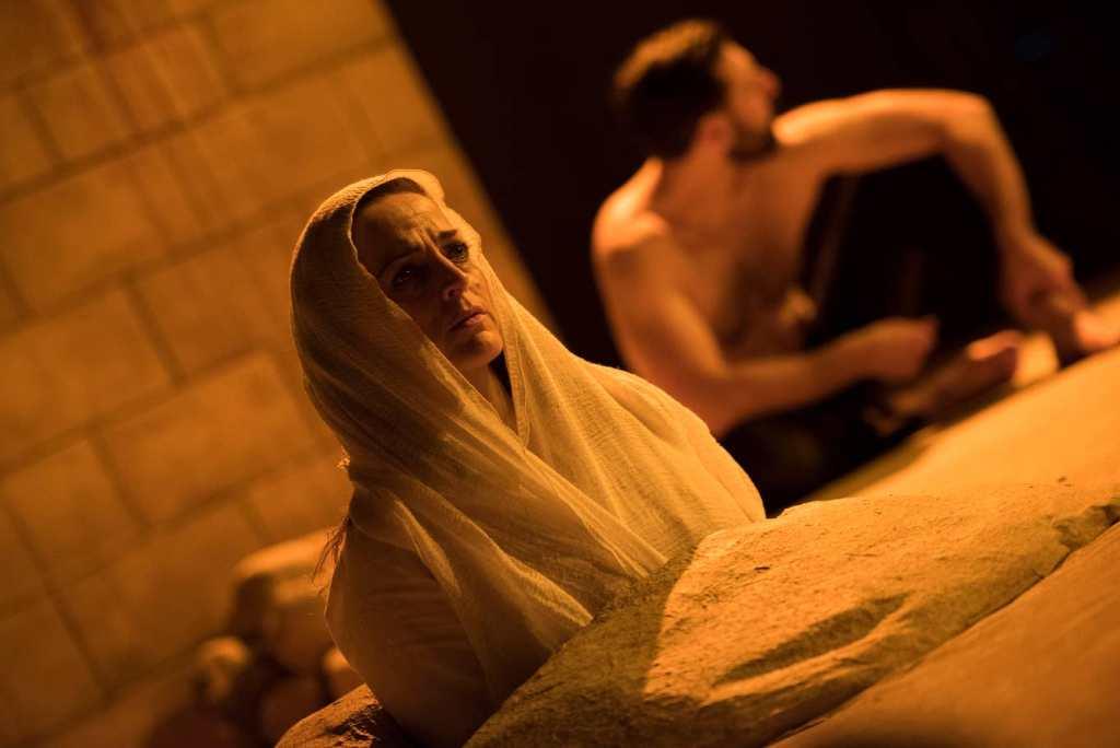 Sinners: Nicole Ansari (Layla), Adam Sina (Nur)