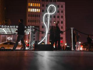 little_glow_man_berlin_ikopix