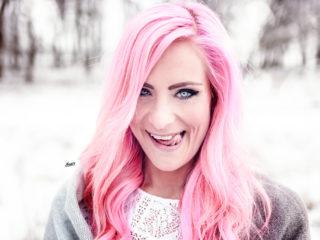 nadja_think_pink_ikopix