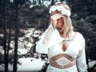 antonia_sandsteinhoehlen_blankenburg_hippie_hand_ikopix