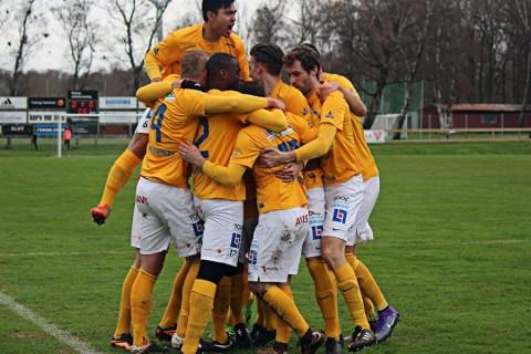 Måljubel i matchen mot Tvååker. FOTO: Susann Sannefjäll