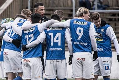 Uppladdning inför träningsmatch mot Sävedalens IF. FOTO: Tomas Sandström