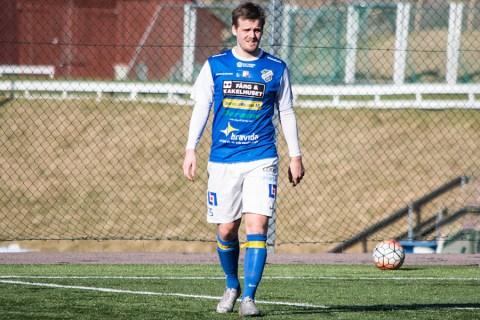 Felix Pettersson i träningsmatch mot norska KVIK Halden. FOTO: Tomas Sandström