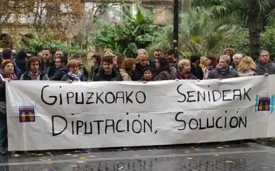 Gipuzkoako Senideak. Conflicto de residencias.