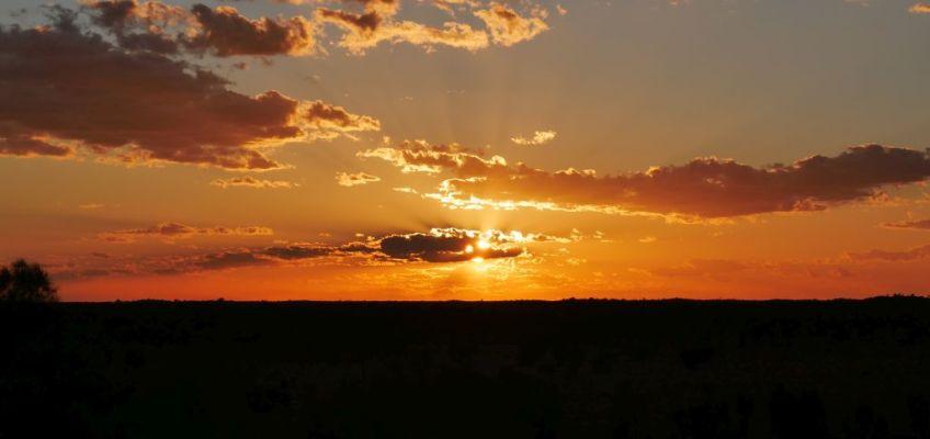 Zonsopkomst in Uluru in Australië