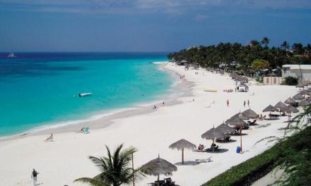 Zonvakantie Druif Beach Aruba. Vertrek in oktober 9-dagen naar de zon, zee en strand met verblijf in 4* resort