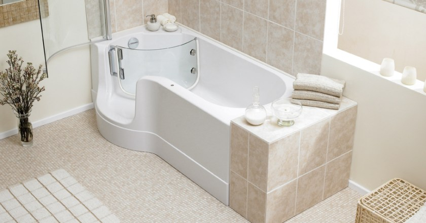 Why Walk In Tubs are Better than Regular Bathtubs