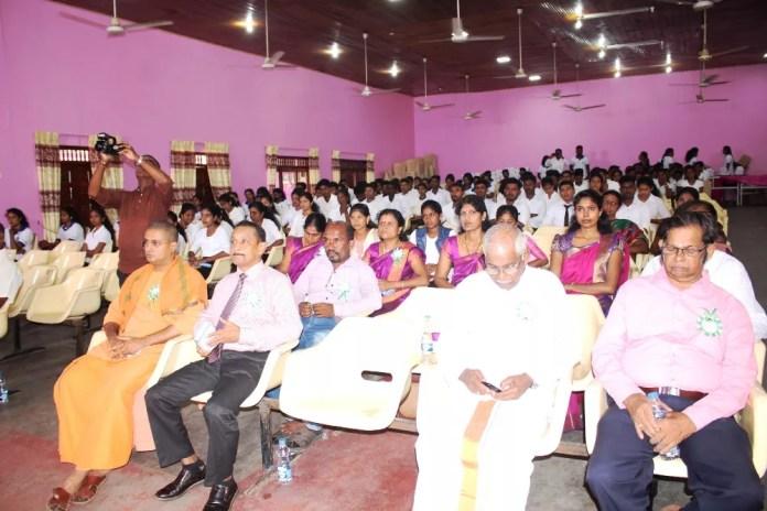 Batti 2019 sep தலைவர்களின் பண்பு பின்பற்றுபவர்களை உருவாக்குவது அல்ல.சிறந்த தலைவர்களை உருவாக்கவேண்டும் - மட்டக்களப்பு மாநகரசபை முதல்வர்