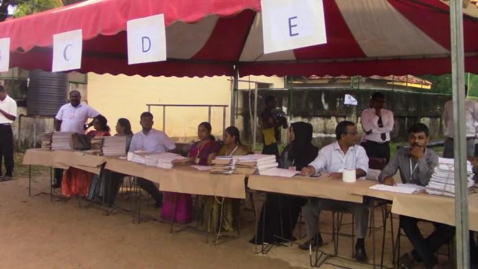 Batti elec மட்டக்களப்பில் பலத்த பாதுகாப்பு - நான்கு இலட்சம் வாக்காளர்கள் தகுதி பெற்றுள்ளனர்.
