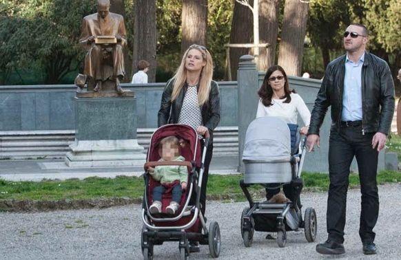 Michelle Hunziker porta Celeste e Sole al parco