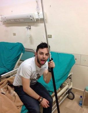 Lorenzo Fragola ricoverato in ospedale