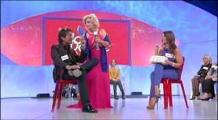 Tina Cipollari fa il trucco e parrucco a Gianluca