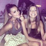Corteggiatrice Megghi con la sorella in discoteca