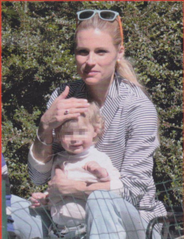 Michelle Hunziker si diverte con i figli al parco