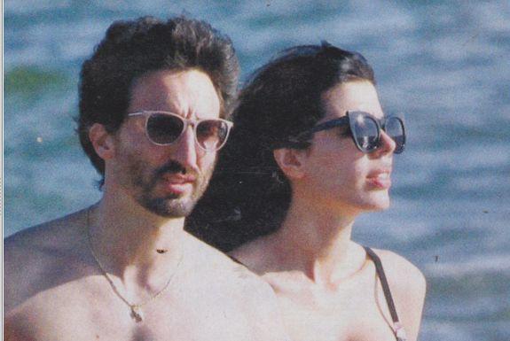 Samuel Peron con la fidanzata Tania Bambaci al mare