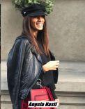 Foto di Chiara Nasti a Milano vestita casual