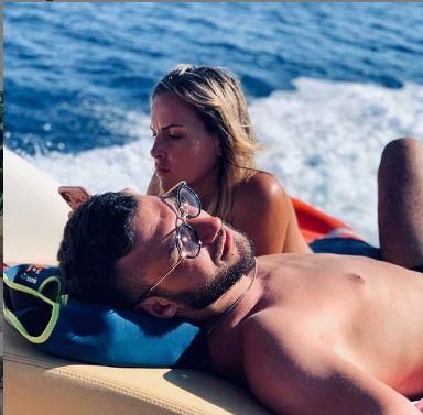 Come Lorenzo e Claudia hanno festeggiato 5 mesi d'amore.