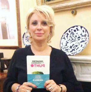 Tina Cipollari consigliera di Uomini e donne del programma di Maria de Filippi