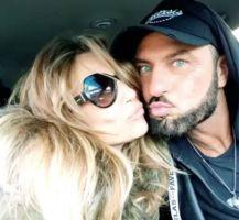 Sossio Aruta bacia la sua dama e critica Gemma Galgani a Uomini e donne Over
