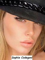 Bellissimo primo piano della nuova tronista di Uomini e donne settembre 2020 e modella di Chiara Ferragni