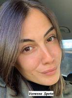 Vanessa Spoto corteggiatrice del programma di Uomini e donne ride felice