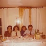 Imola, 1980, nozze d'argento. Angela Cavina e Mario Benedetti con le figlie.