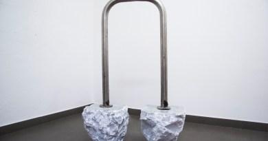 marco-ceroni_moonwalk_marmo-bianco-di-carrara-acciaio_2015