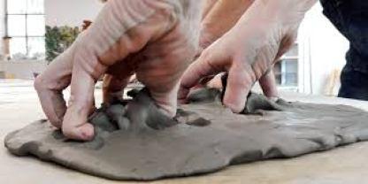 Arteterapia e argilla