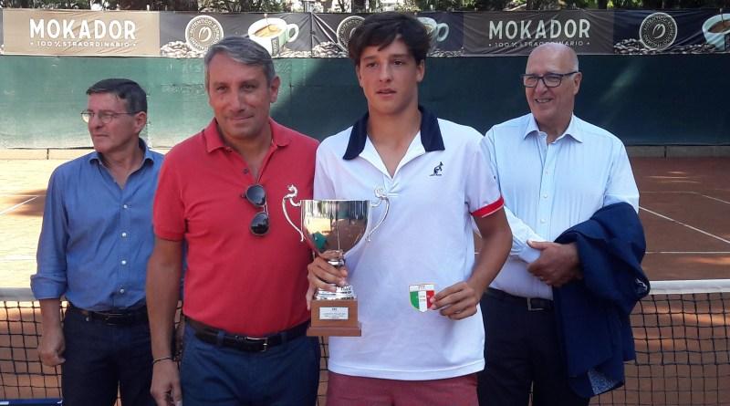 Luciano Darderi