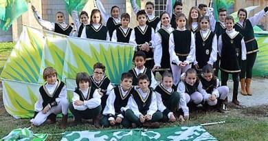 Rione Verde giovani sbandieratori (2015)