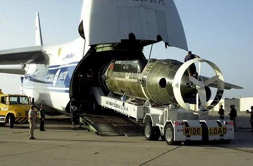 Un aereo da trasporto strategico Antonov An-124 operato dal provider di servizi logistici Volga-Dnepr Group.