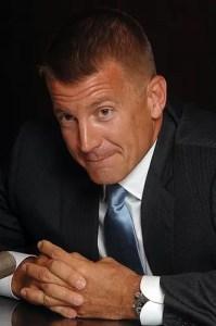 """Erik Prince, fondatore della Blackwater Worldwide (oggi Academi), uno dei più vituperati """"contractors""""."""