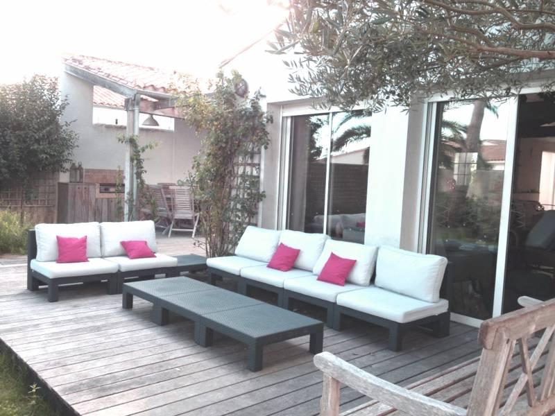 Arborer Une Terrasse Vue Du Salon Charpent Avec Au Fond