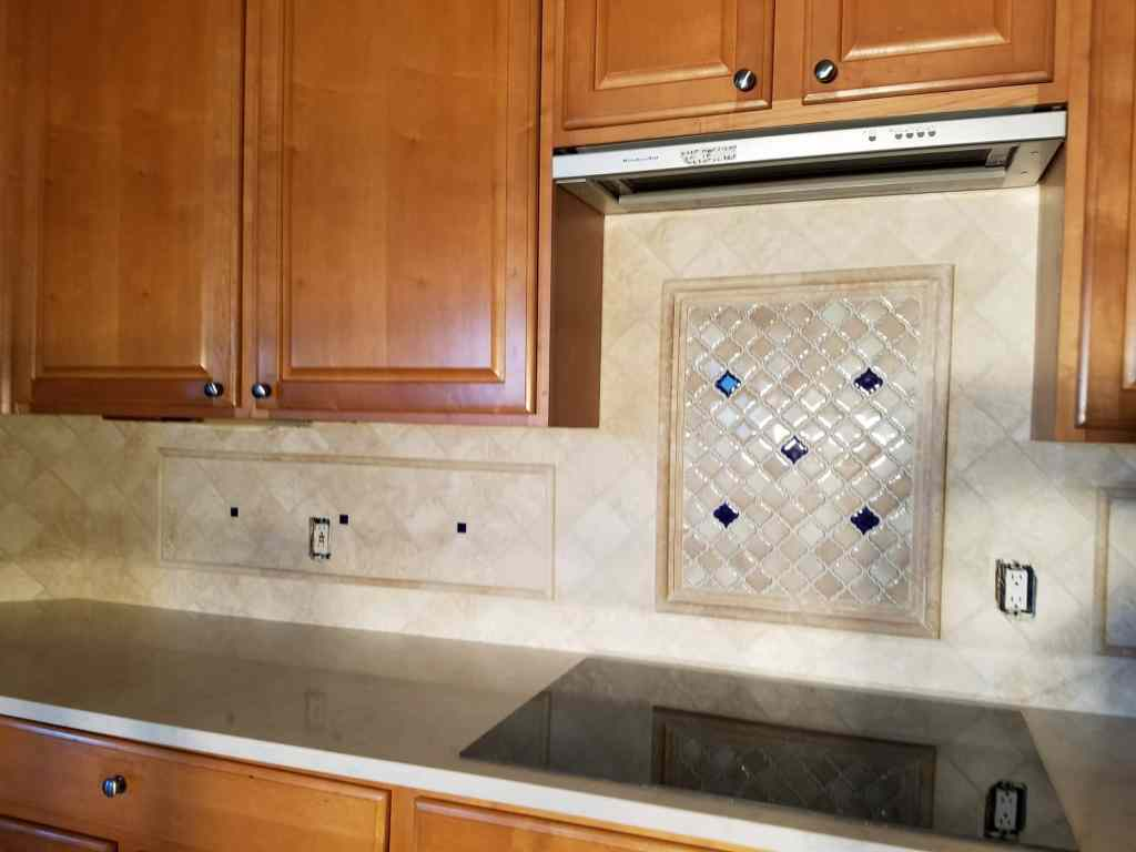 tile back splash kitchen
