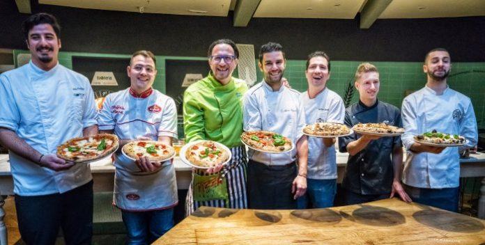 """Firenze premia i suoi 8 """"big"""" della pizza napoletana"""