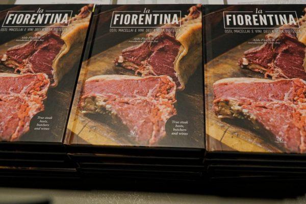 """Libri: """"La Fiorentina"""" di Aldo Fiordelli tra osti, macellai e vini. Ecco chi c'è (e chi manca)"""